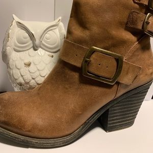 Lucky brand leather boots 8.5